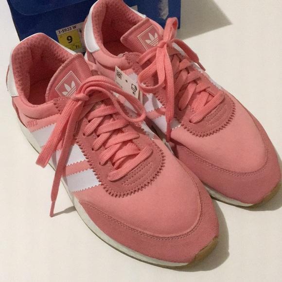 a4c76caf48f Adidas women s original I-5923 Pink size 9 NWT